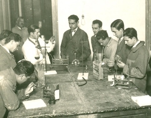 Ignacio Ribas Marqués (centre), 1929, the year he became Prof. of Organic Chemistry at the University of Salamanca.